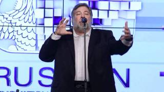 iLiFTTV СТИВ ВОЗНЯК В МОСКВЕ! Apple co-founder Steve Wozniak!