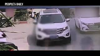 Grandpa and his grandson lingering in the middle of the road got run over by an SUV