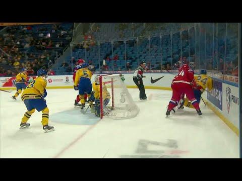 Oroväckande bilder - Lias Andersson klev av skadad mot Ryssland - TV4 Sport