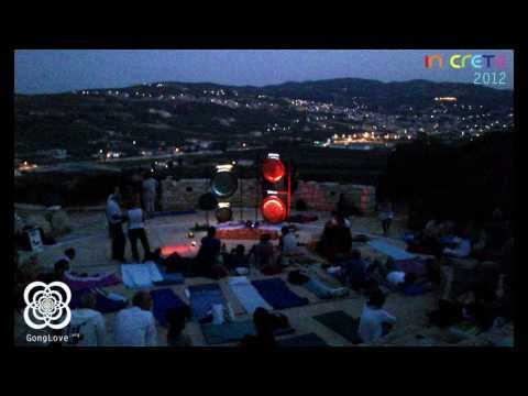 Από το αρχείο της ΕΡΤ - η πρώτη παρουσίαση των γκονγκ της αγάπης στην Ελλάδα