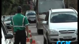 Acidente deixa trânsito complicado na rua Minas Gerais - BO - Notícias Populares