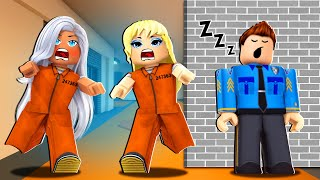 KIM KARDASHIAN AND TAYLOR SWIFT ESCAPE FROM PRISON! (Roblox)