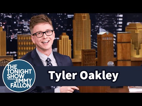 Lady Gaga Knows Who Tyler Oakley Is - YouTube
