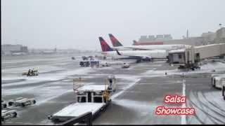 Winter Snow Storm at Atlanta Airport! / Tormenta de nieve en el aeropuerto de Atlanta!