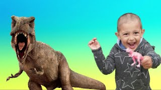 Giant T-Rex Dinosaur | Dinosaur Toys for Kids | Fun Stories for Kids | Escape from Dinosaurs |