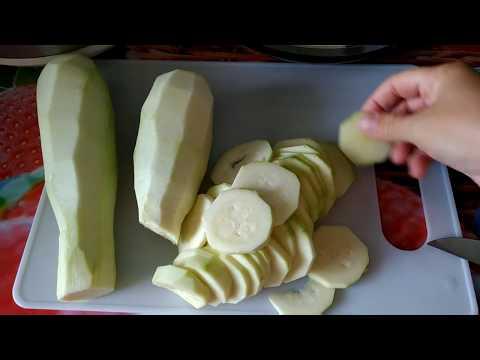 Кабачки тушеные в сметане с чесноком рецепт с фото в мультиварке