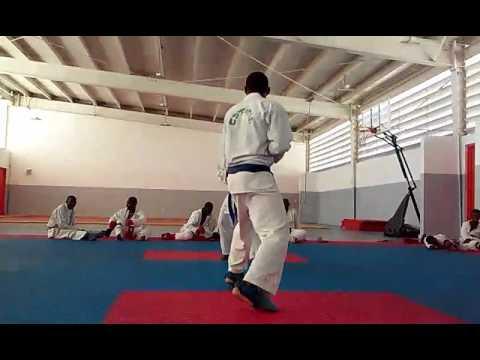 Karate Shotokan Haïti au Centre Sport pour l'Espoir Haïti. Entrainement selection national