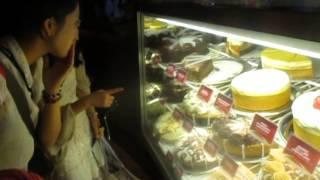 Cheesecake Factory In Waikiki