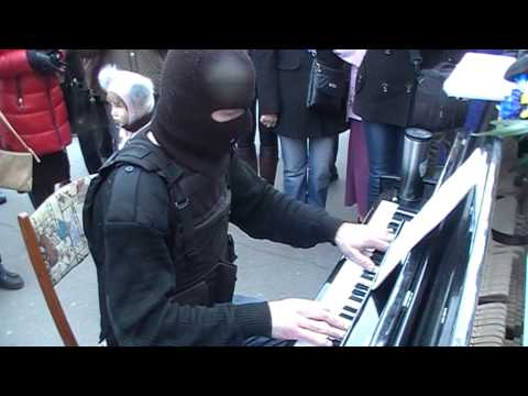 Ludovico Einaudi -- Nuvole bianche (Кременчуг, пианист-экстремист)