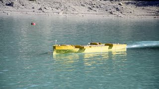 Alpes-de-Haute-Provence : sur le lac de Castillon, on teste la maquette du futur porte-avions