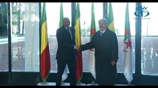 الوزير الأول ونظيره المالي يتباحثان سبل تعزيز العلاقات بين البلدين