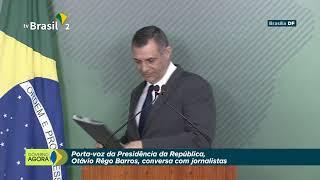 O Porta-voz da Presidência da República, Otávio Rêgo Barros, conversa com jornalistas