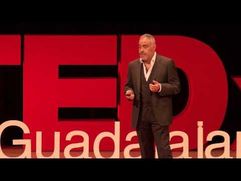 Economía del conocimiento el gran reto | Antonio Cruz | TEDxGuadalajara