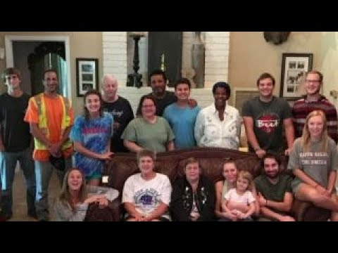 Houston family turns home into shelter for Harvey victims