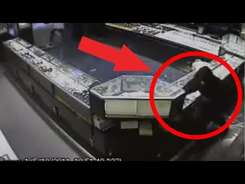 CAUGHT ON CCTV | $800,000 Smash And Grab Robbery