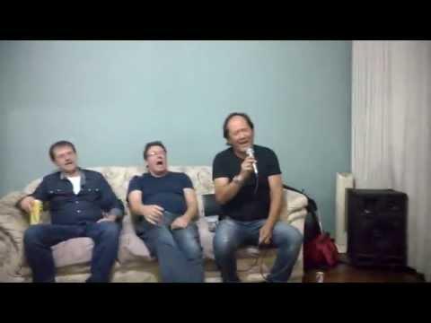Hermann.....no Karaoke, na Carmita!!!