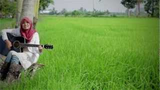 Video Aku Suka Dia - Ainan Tasneem Official MV HD-Video with Lyric download MP3, 3GP, MP4, WEBM, AVI, FLV Juli 2018