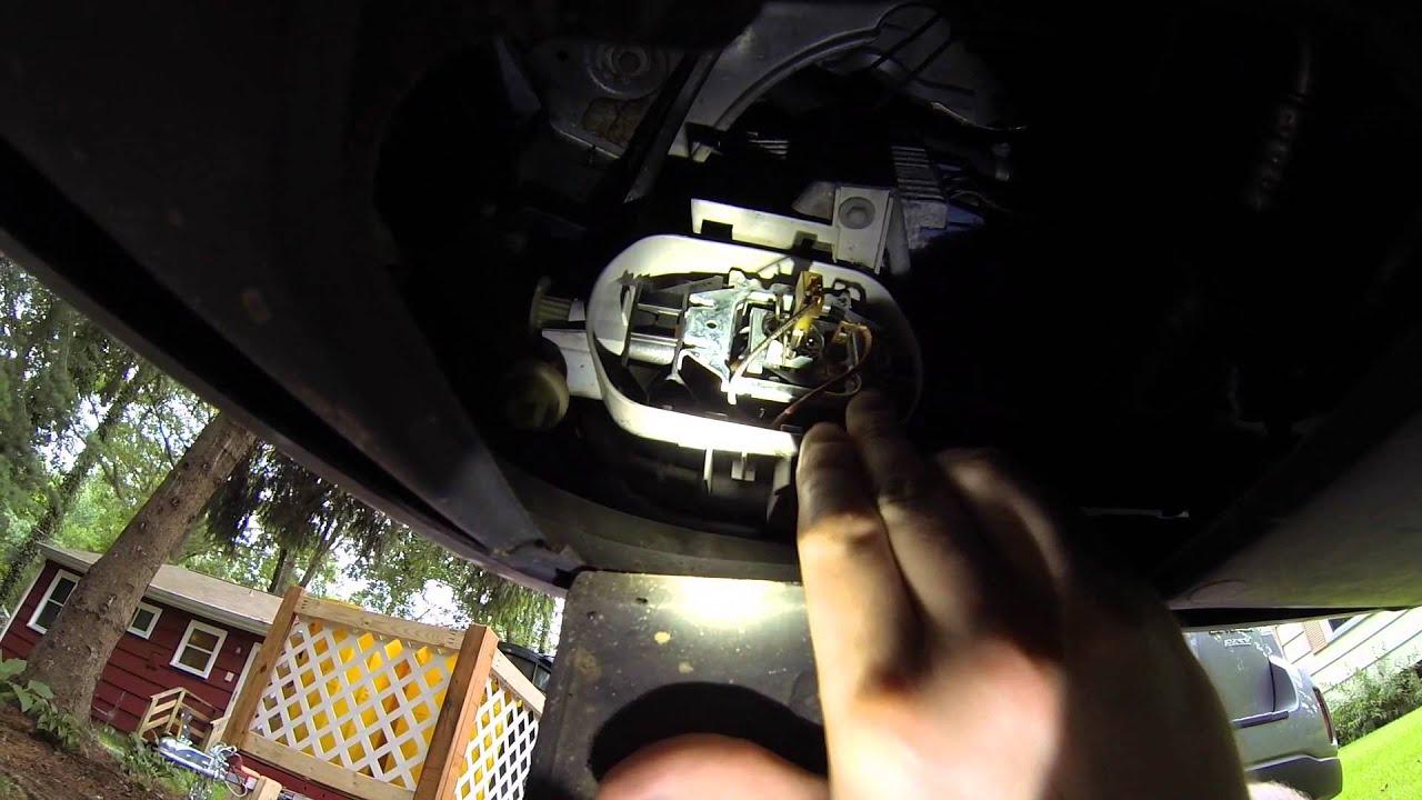 Changing W210 foglight bulb on