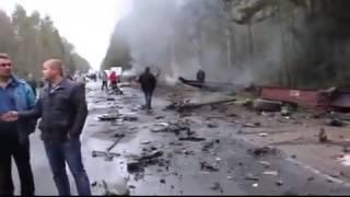 Видео с места страшного ДТП на трассе Петербург – Псков(Самые свежие ролики дорожных происшествий! Подписывайтесь на наш канал! http://www.youtube.com/channel/UCsLlBBzGvti4LvN3hwllJNQ..., 2015-04-28T17:11:08.000Z)