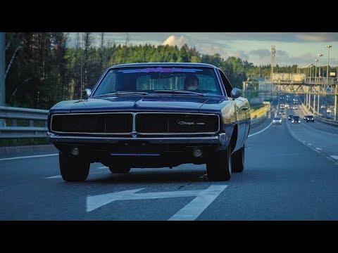 Обзор Dodge Charger 69 года! Легенда на улицах Москвы!