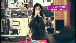"Tutorial: Le 10 mosse per cantare ""Simili"" di Laura Pausini"