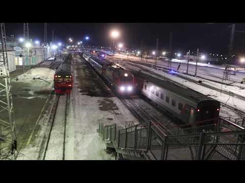 Station Taiga-1: Train 313 (Abakan - Novosibirsk) departing at 04.19 in the morning...