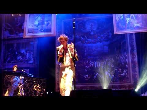 Mika - Elle Me Dit (in English) @ Das Festival, Schaffhausen in Switzerland 6.8.2011