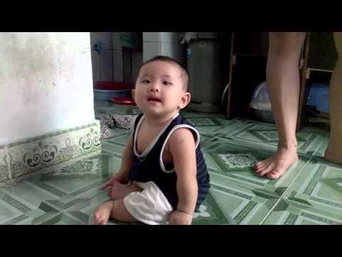 Kiến con - lúc nhỏ - Thạch Nguyễn Thanh Ngân
