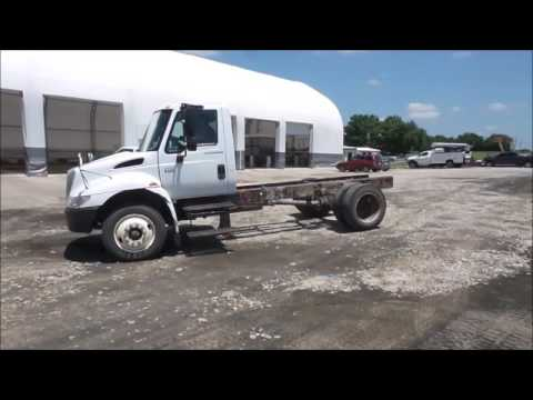2002 International 4300 truck cab and chassis for sale | no-reserve Internet auction July 6, 2017