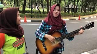 Keren oiii ... Pengamen Jakarta Bawain Lagu Daerah Jawa - Stafaband