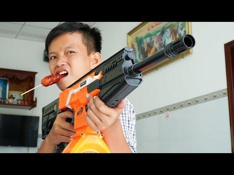 NERF GUN SAUSAGE FOOD BATTLE SHOT