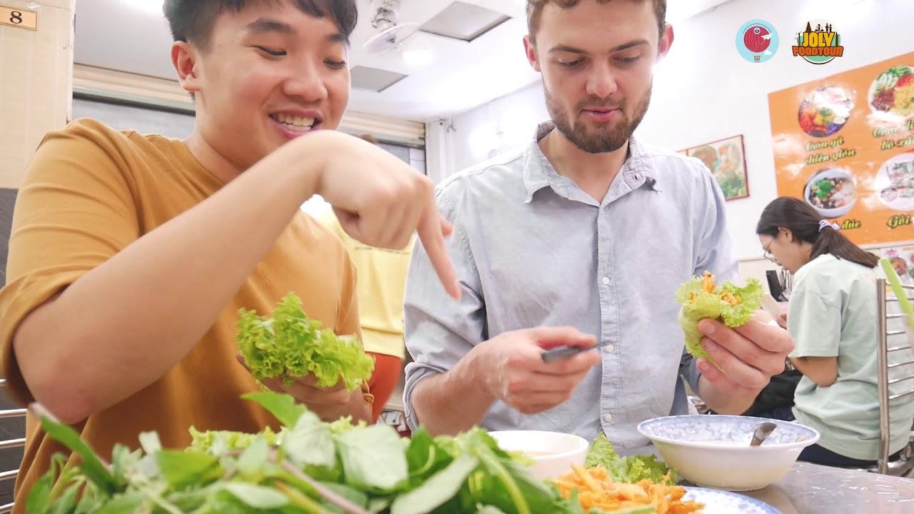Bún chả Hà Nội – Saigon Retro Cafe | JoLy Food Tour #1 – Claas (Engsub – Vietsub)