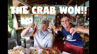 MAN VERSUS CRABS IN THE PHILIPPINES (Life Along The River Fo...