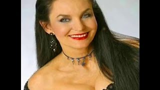 Crystal Gayle - 1987  A Crystal Christmas in Sweden CBS Special