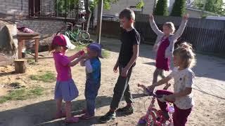 А вот и мы))/Готовим в многодетной семье/ Иванка помогает/Прогулка с детьми