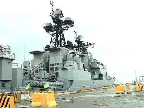 Russian Navy vessel, marine capabilities showcased to public