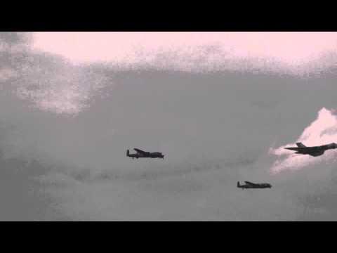 Canadian Lancaster Vulcan fly past Thumper Vera XH558