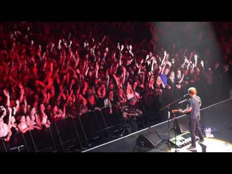 Ed Sheeran - Bloodstream (Royal Albert Hall, 28.03.2017 - Teenage Cancer Trust)