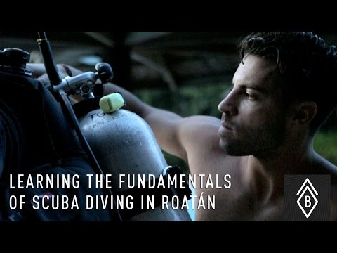 Learning The Fundamentals Of Scuba Diving In Roatan