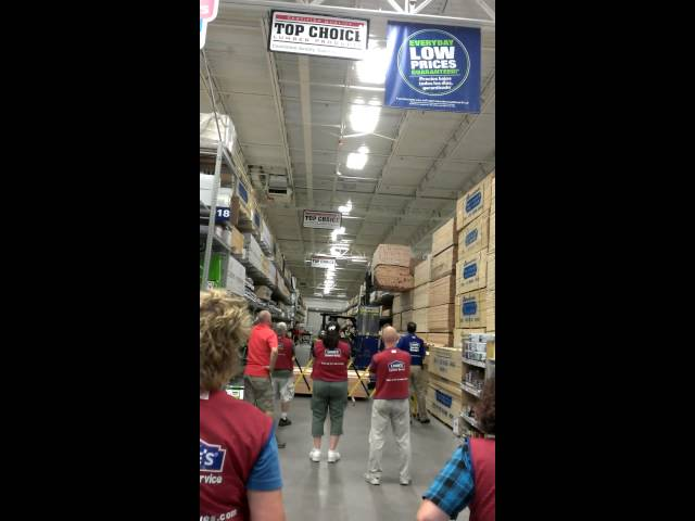 2x4 mess at Lowes