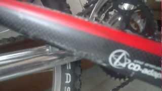 自転車の 自転車 落車 動画 : 自転車落車事故でフレームが ...