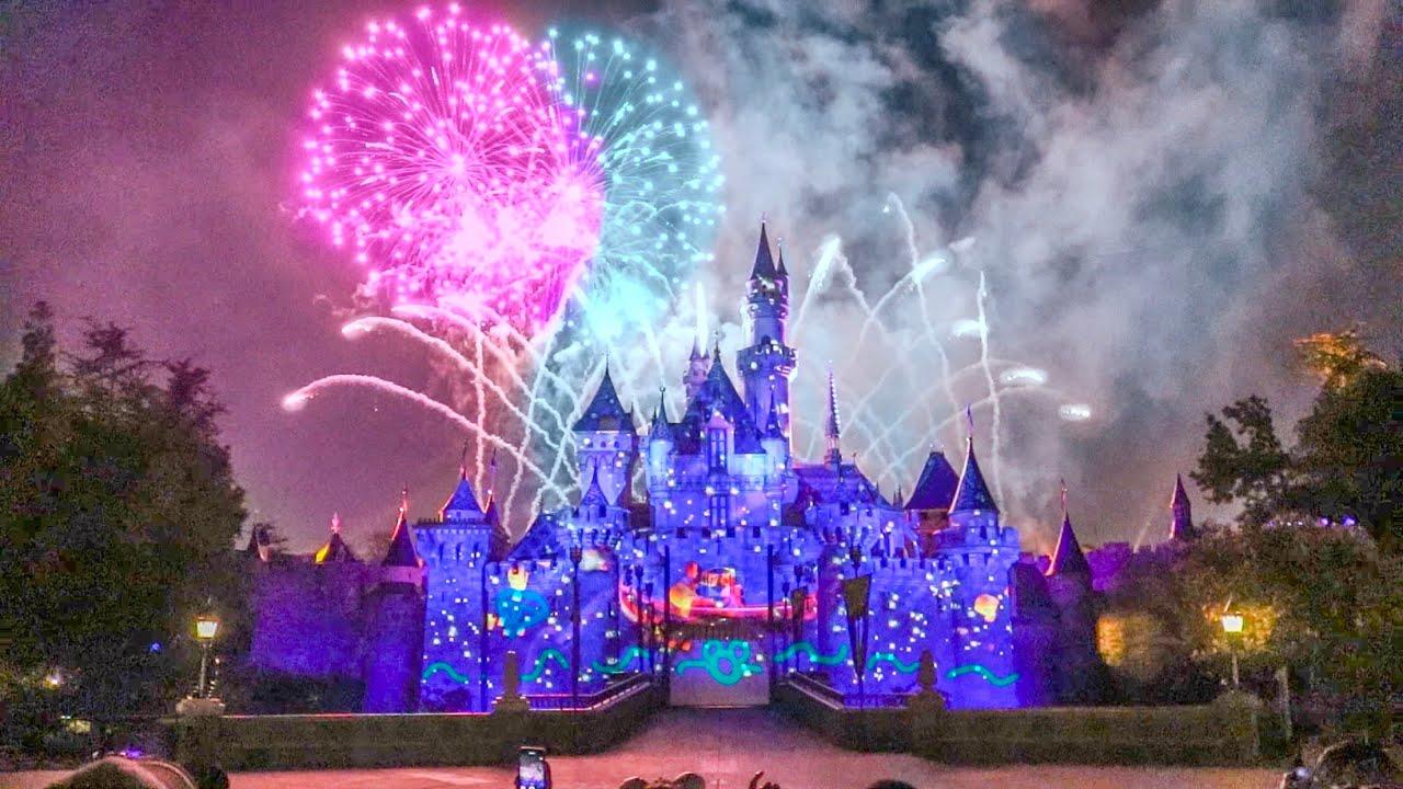 Christmas Los Angeles Disneyland 2020 Firework Youtube FULL Disneyland Forever 2019 Fireworks at Disneyland Park!   YouTube