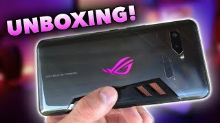 ASUS ROG Phone EARLY Release!! (Unboxing + First Impressions)