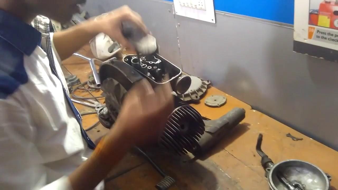 Disassemble the 2 stroke BAJAJ CHETAK scooter engine