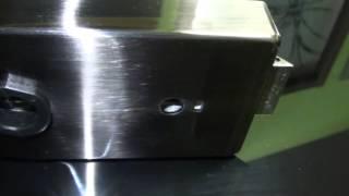 Фурнитура для стеклянных дверей в покрытии темный графит(Фурнитура для стеклянных дверей, стеклянные двери являются неотъемлемой частью современного интерьера,..., 2013-04-10T15:52:40.000Z)