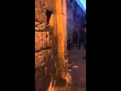 2 שוטרים נדקרו בשער האריות מצוד אחר המחבל