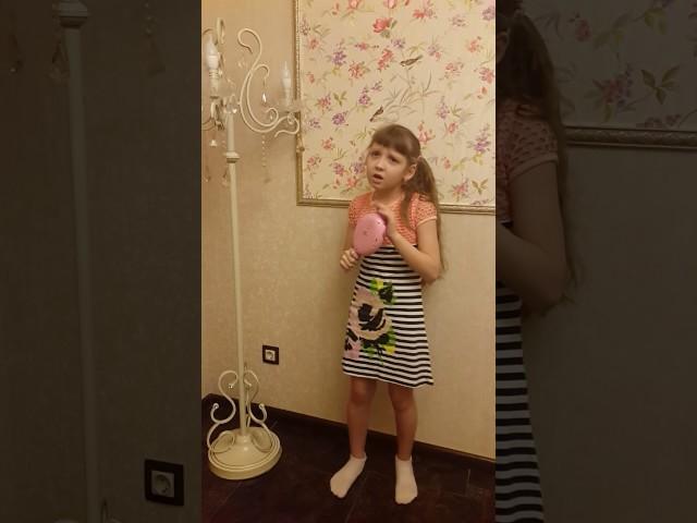Изображение предпросмотра прочтения – ЛияФайзуллова читает произведение «Зеркало и обезьяна» И.А.Крылова