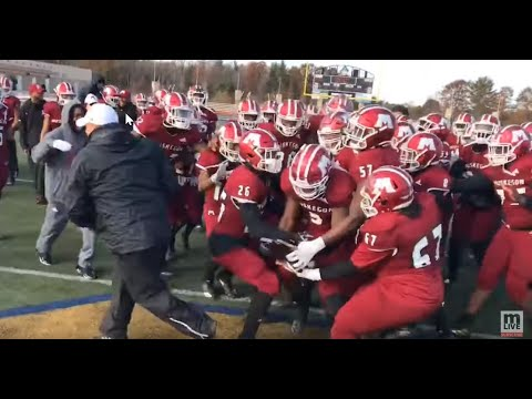 Watch Muskegon celebrate regional football title after 49-10 rout of East Grand Rapids