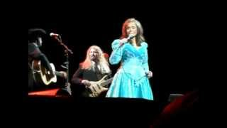 Watch Loretta Lynn Somebody Somewhere dont Know What Hes Missin Tonight video