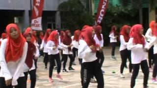 Students Flashmob SMA Muhammadiyah 6 Palembang #HondaXpresiSatuHatiVaganza2016